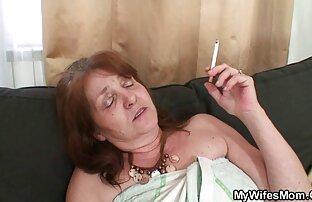 A mulher mandona toma duas pilas ao sexoanal grátis mesmo tempo.