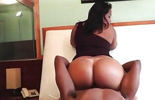 A Samantha de fato de rede dá - nos uma vista de olhos videos de sexo gratis carioca para a rata dela.
