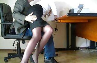 Mais profundamente. sexo grátis real O mestre partilha um dos seus escravos com um amigo.