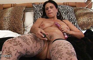 A educação de Erica: A escrava lésbica usa um grande Estrapão para agradar a sua porn gartis Madame