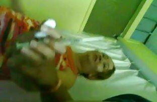 A ruiva Yanks lésbicas vídeos grátis brinca com a cona dela.